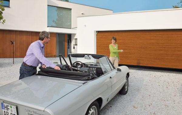 Garagentore und Antriebe