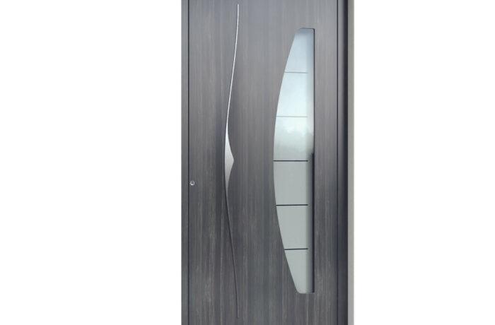Pirnar-alu-eingangstuer-premium-6019-holz-dekor-altholz-dunkel-eleganter-aussengriff-9619-glas-mit-motiv